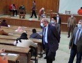 رئيس جامعة المنيا يطمئن على الالتزام بإجراءات الوقاية فى لجان الامتحانات بالكليات
