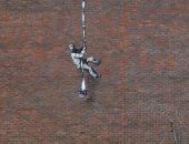 جدارية الهروب.. عمل جديد لفنان الشارع بانكسى على جدران سجن بريطانى.. فيديو وصور