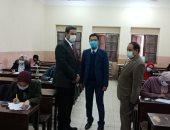القائم بأعمال رئيس جامعة بنها يتفقد سير الامتحانات بهندسة شبرا.. صور