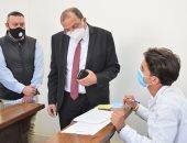 رئيس جامعة بنى سويف يتفقد لجان الامتحانات بكلية السياحة والفنادق