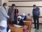 مدير تعليم البحر الأحمر يتفقد تطبيق الإجراءات الاحترازية خلال الامتحانات