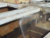 غسل وتطهير محطات مياه الشرب لمدن القناة استعدادا لفصل الصيف
