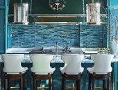 ديكورات المطبخ 2021.. الـ backsplash يزين الجدران بدلاً من البلاط