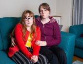 """تأكل ملابسها والمناديل.. بريطانية تحكى معاناتها مع حالة ابنتها """"النادرة"""""""