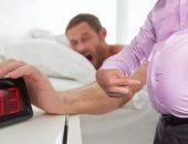 قلة النوم تزيد من خطر الإصابة بالسمنة.. اعرف عدد الساعات اللازمة