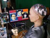 إبداعات الروبوت صوفيا لا تتوقف.. عرض لوحاتها الفنية فى مزاد علنى بالصين.. ألبوم صور