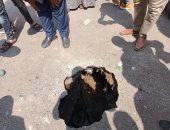 رئيس مدينة مطاى يتقفد هبوطا أرضيا بجوار أحد المداس فى المنيا
