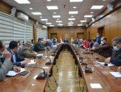 الدقهلية تشكل لجنة دائمة لتطوير عشوائيات المنصورة وتضاعف فرق العمل