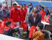 محافظ الإسكندرية يكرم 250 طفلا يتيما.. ويؤكد: حريصون على توفير كافة احتياجاتهم