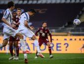 كريستيانو رونالدو يحفز لاعبى يوفنتوس عقب الفوز على نابولى