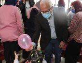 """محافظة بورسعيد تصرف 20 ألف جنيه للعاملين بـ""""تحسين الصحة"""" للأيتام.. صور"""