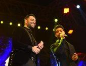 رامى جمال يتألق فى حفله بالتجمع الخامس ويحتفل بعيد ميلاد أحمد جمال ويقدم معه ديو