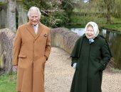 الملكة إليزابيث والأمير تشارلز فى أحدث ظهور علنى بعد حوار هارى وميجان.. صور