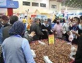 معرض أهلا رمضان يستقبل المواطنين بمدينة نصر وسط التزام بالإجراءات الاحترازية