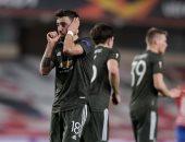 أهداف الخميس.. مانشستر يونايتد يتخطى غرناطة وارسنال يتعادل ضد سلافيا براغ