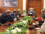 محافظ بورسعيد يوجه بتكثيف حملات التعقيم بمختلف الأحياء ويحذر من عقوبات رادعة