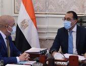 رئيس الوزراء يتابع مع وزير الإسكان موقف المشروعات المقرر افتتاحها رئاسيا