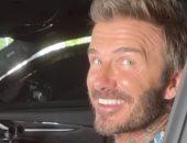 ديفيد بيكهام يخوض مغامرة جديدة داخل سيارة سباق.. فيديو وصور