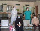 خروج 6 حالات بعد تعافيهم من كورونا بمستشفى قفط التعليمى بقنا