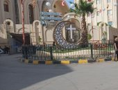 شاهد.. كنيسة الأمير تادرس بالمنيا تتزين بالهلال والصليب فى أول أيام رمضان