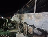 الصحة: مصرع 14 شخصًا وإصابة 4 أخرين فى حادث تصادم اتوبيس طريق أسيوط.. صور