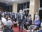 أسرة الكاتب الصحفى مكرم محمد أحمد تتلقى العزاء داخل مؤسسة الأهرام..فيديو