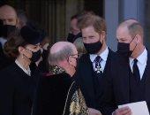 """خبير ملكى: الأمير هارى شعر بالصدمة من """"الاستقبال البارد"""" له فى جنازة الأمير فيليب"""
