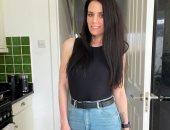 سيدة بريطانية مدمنة للطعام تفقد نصف وزنها فى 14 شهرا خلال إغلاق كورونا.. صور
