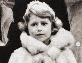 لقطات من حياة الملكة إليزابيث من عمر 5 سنوات وحتى الآن احتفالا بعيد ميلادها