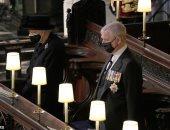 الأمير أندرو يهدى الملكة إليزابيث كلبين لمساعدتها على التأقلم بعد وفاة دوق إدنبرة
