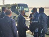 """رئيس """"كاف"""" الجديد يصل القاهرة ووزير الرياضة يستقبله فى منزله"""
