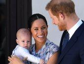مجلة People: ميجان ماركل تحدثت إلى الملكة إليزابيث قبل جنازة الأمير فيليب