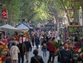 كتالونيا يرفع الحبس الإقليمى ويسمح بالتنقل بحرية ويعيد فتح المحلات والمطاعم