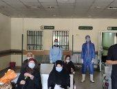 تعافى وخروج 12 حالة كورونا من مستشفى عزل قفط التعليمى بقنا.. صور