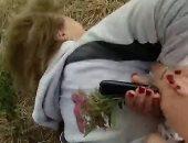أزمة جديدة للشرطة الأمريكية.. كسر يد مسنة مصابة بالخرف خلال اعتقالها.. فيديو