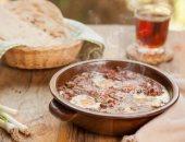 منيو سحور 19 رمضان.. طاجن بيض بالبلوبيف وزبادى بقطع الفواكه المجففة