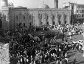 """100 صورة عالمية.. """"ميدان الحسين"""" الطريق لـ زيارة حفيد رسول الله"""