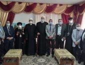 أهالى شمال سيناء يشاركون قساوسة مطرانية العريش احتفالات عيد القيامة.. صور