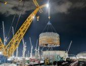 أكبر رافعة فى العالم تسجل رقما قياسيا برفع 1600 طن من الفولاذ.. ألبوم صور