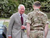 الأمير تشارلز يشكر الجنود الذين شاركوا فى جنازة الأمير فيليب دوق إدنبرة
