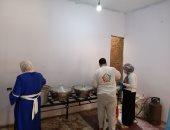 مطبخ الخير يطعم 300 صائم من أهالى إحدى قرى المنوفية يوميا.. فيديو وصور