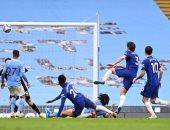 مانشستر سيتي يرفض حسم لقب الدوري الإنجليزي ويسقط أمام تشيلسي بثنائية