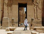 تعقيم المعابد والمناطق الأثرية والسياحية بأسوان للوقاية من كورونا.. صور