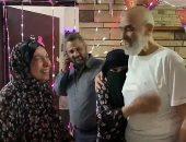 ننشر أولى لحظات وصول أشرف السعد لمنزله واستقباله من الأسرة بالدموع.. فيديو