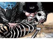 فرنسا تحاول إنقاذ لبنان بقبلة الحياة فى كاريكاتير سعودى