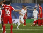 هازارد يحرز هدف تعادل الريال ضد إشبيلية 2-2 فى الوقت القاتل.. فيديو