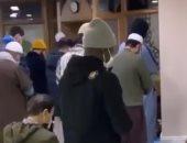 الفرنسي كانتي نجم تشيلسي يؤدي الصلاة فى إحدى مساجد لندن.. فيديو وصور