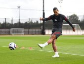 فان دايك يظهر بقوة فى تدريبات ليفربول رغم اعتذاره عن المشاركة فى يورو 2020
