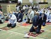 محافظ الجيزة يؤدى صلاة عيد الفطر بمسجد المغفرة ويوجه القيادات بالنزول للشارع