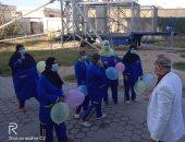 وكيل صحة الدقهلية يحتفل بالعيد وسط الفريق الطبى بمستشفى الحجر بتمى الأمديد